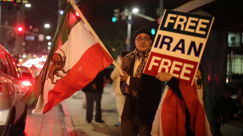 Foto: Protesta de exiliados iraníes en Los Angeles, el 3 de enero de 2018. (Reuters)