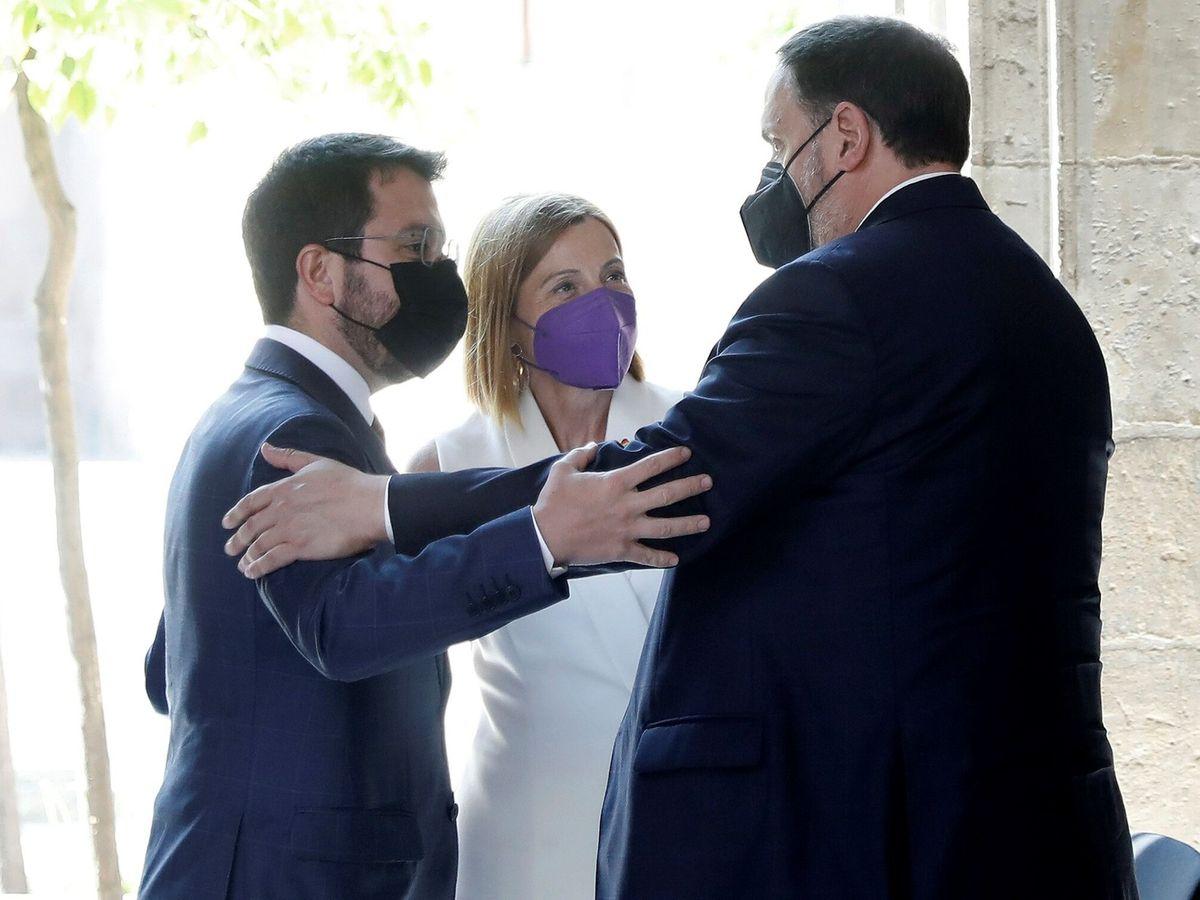 Foto: Recepción en la Generalitat a los líderes independentistas liberados tras el indulto. (EFE)