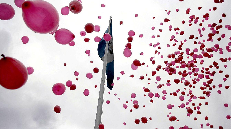 Foto:  Acto de recuerdo a las víctimas que han muerto a causa del VIH. (EFE-ARCHIVO)