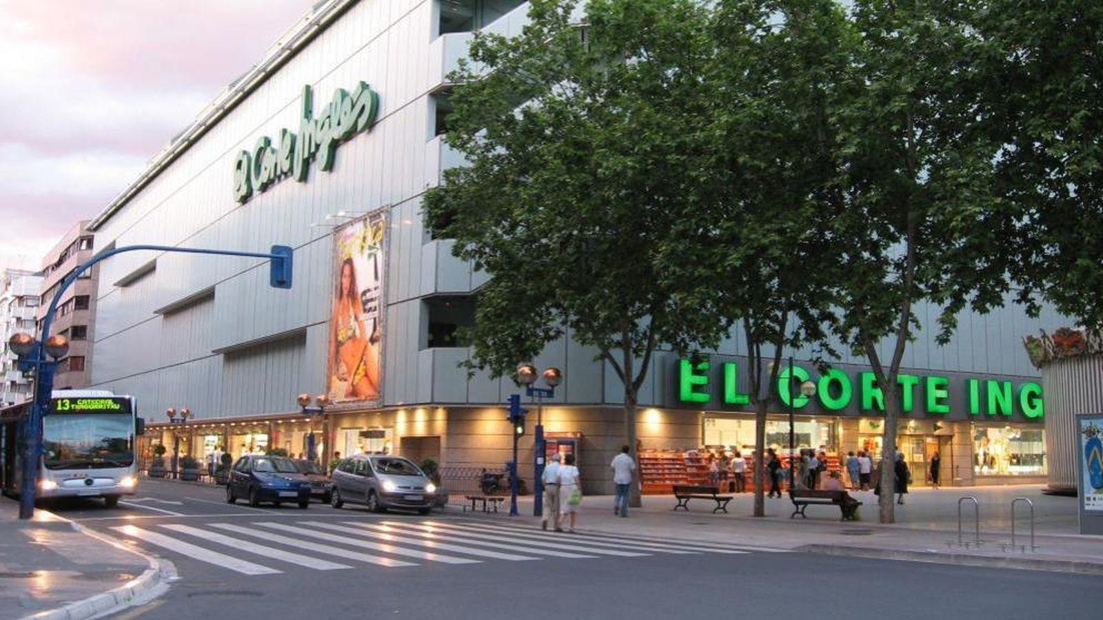 Foto: Exterior de uno de los centros comerciales El Corte Inglés.
