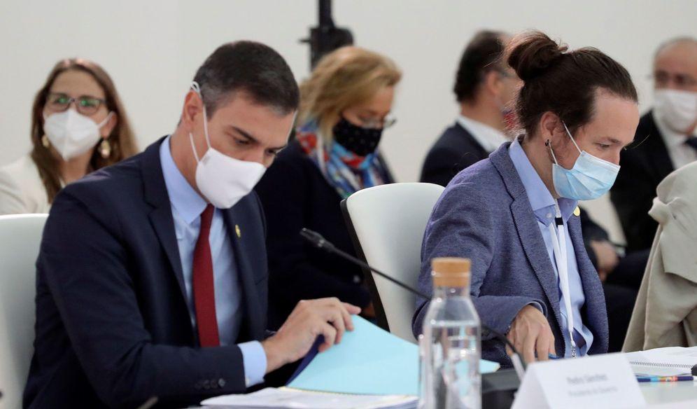 Foto: El presidente del Gobierno, Pedro Sánchez (i), y el vicepresidente Pablo Iglesias (d). (EFE)