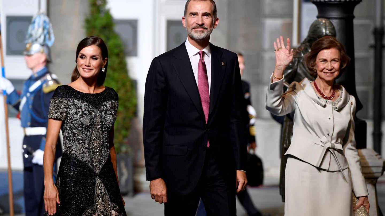 Los Reyes, con doña Sofía en los premios. (Reuters)