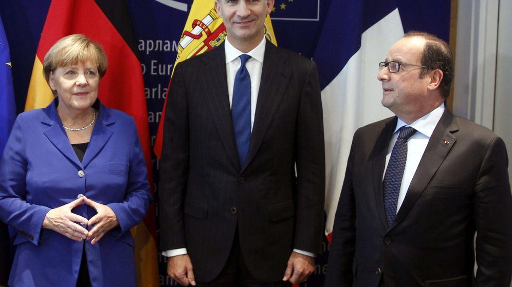 Foto: El Rey Felipe VI, Angela Merkel y François Hollande. (EFE)