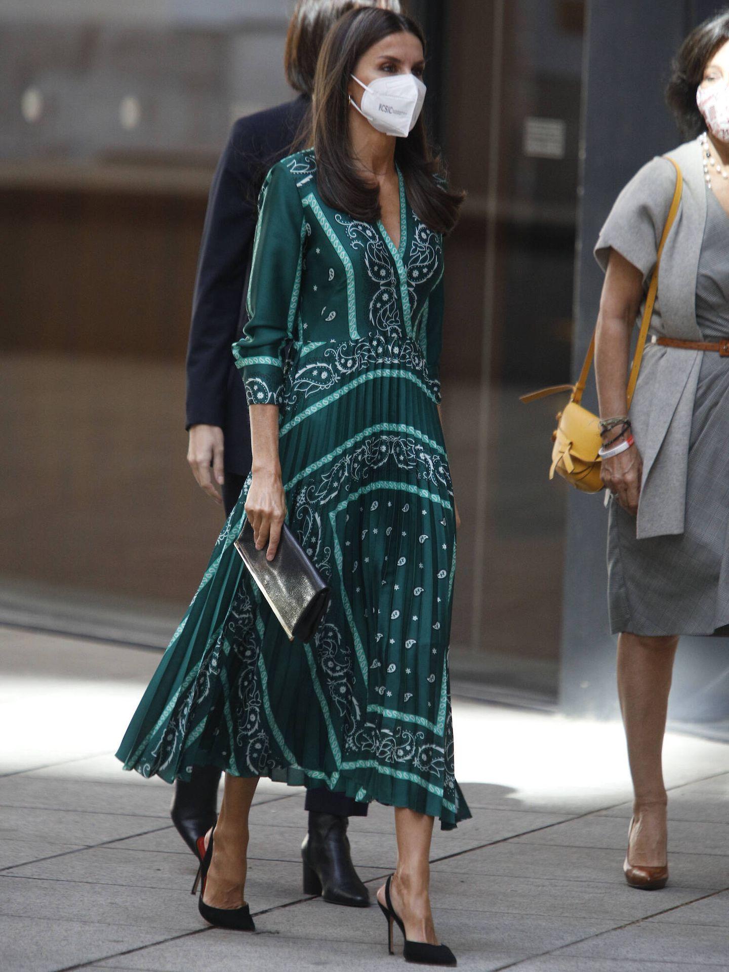 La Reina, a su llegada al acto de Proyecto Santander. (LP)