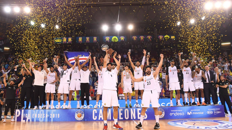 Foto: Imagen de la celebración del Real Madrid en el Palau. (ACB Photo)