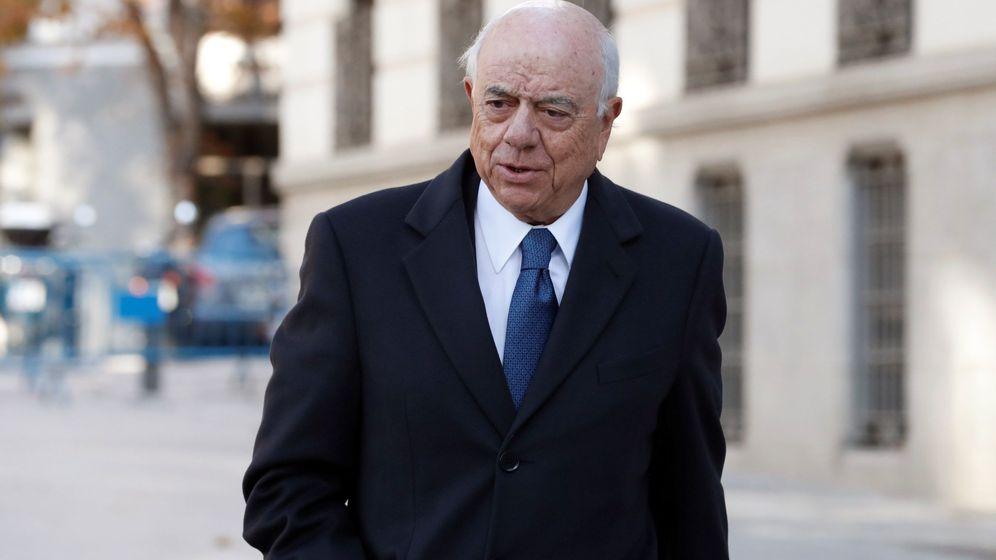 Foto: El expresidente del BBVA, Francisco González, a su llegada a la Audiencia en noviembre (Efe)