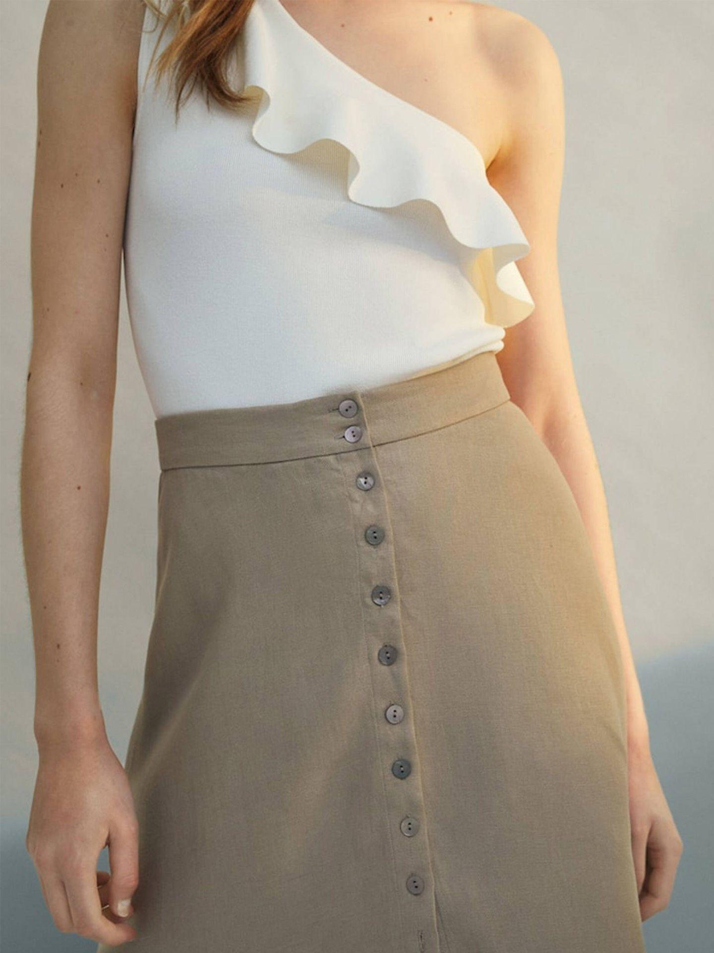 Falda de Massimo Dutti. (Cortesía)