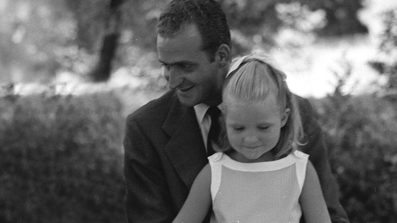 El rey Juan Carlos y la infanta Elena. (Getty)