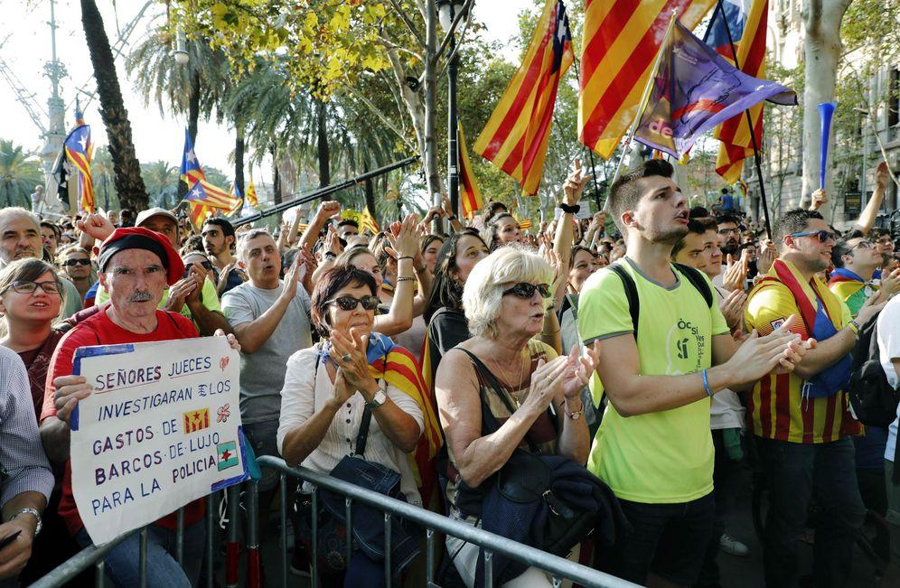 Foto: Concentración ante el Palacio de Justicia de Barcelona. (EFE)