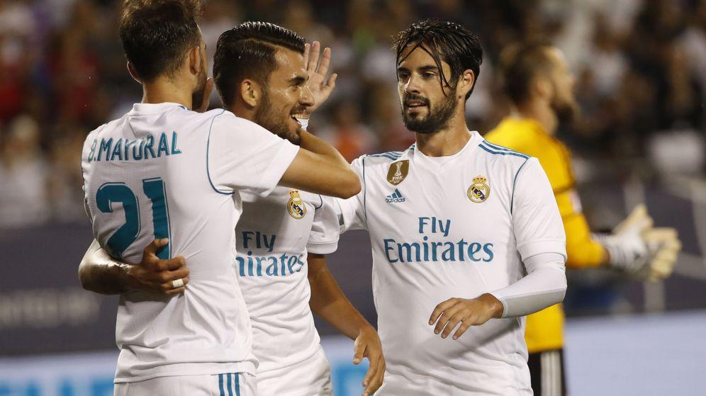 Foto: Los jugadores del Real Madrid celebran el gol de Borja Mayoral. (EFE)