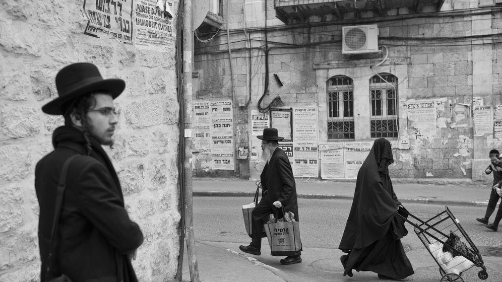 Foto: Uno de cada tres habitantes de Jerusalén es ultraortodoxo. (Abir Sultan / EFE)