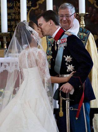 Foto: El Príncipe Joaquín y Marie Cavallier se dan el 'sí quiero' entre lágrimas