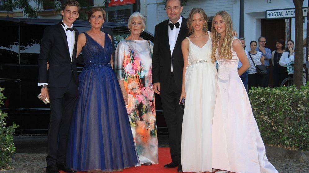 Foto: Francesca Thyssen y Carlos de Habsburgo junto a sus hijos (Gtres)
