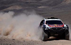 Carlos Sainz vuelca y abandona el Dakar por tercer año consecutivo