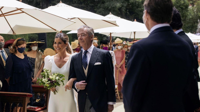 Belén Corsini junto a su padre, Juan Carlos Corsini, el día de su boda. (EFE)