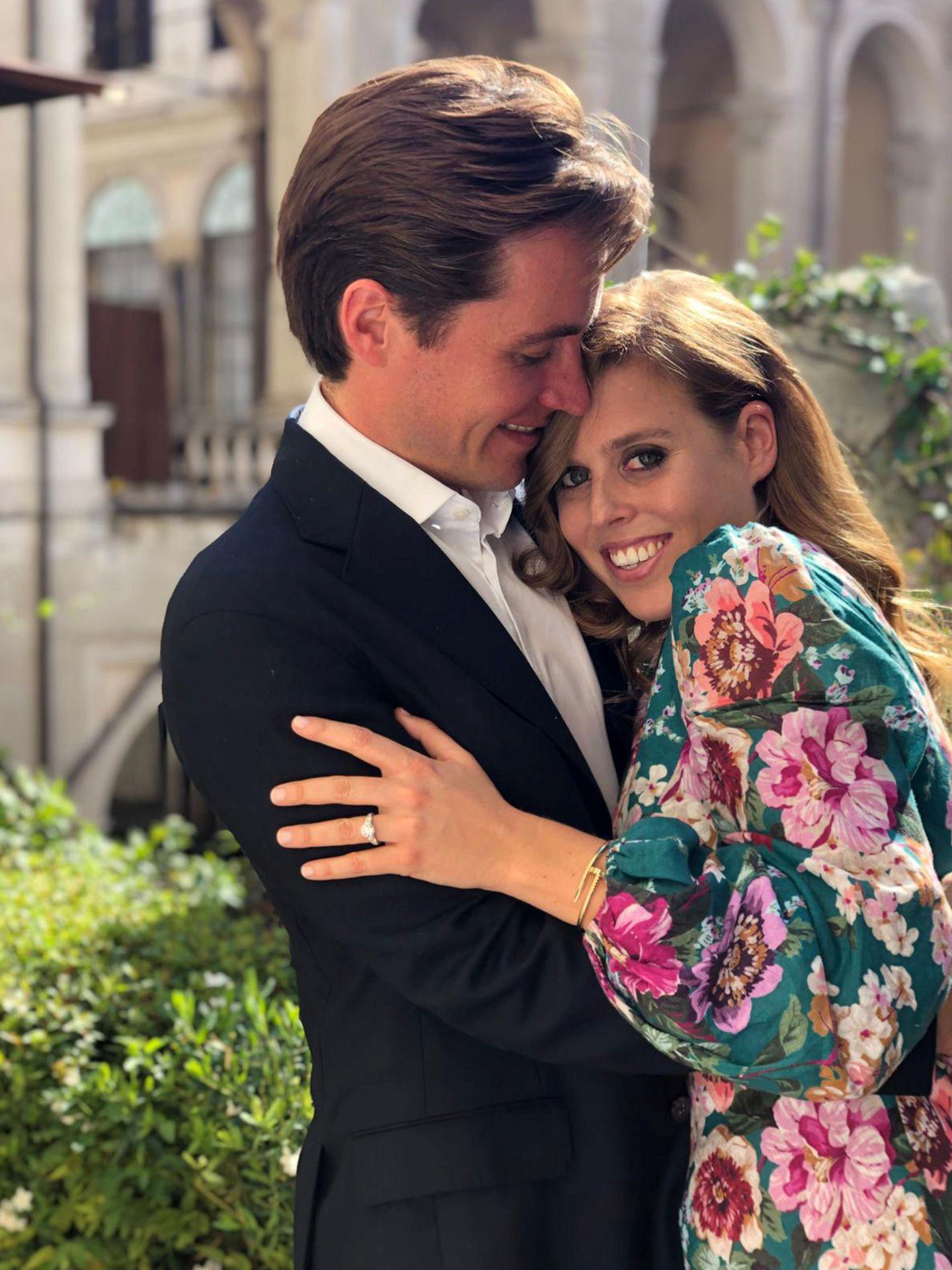 La imagen con la que Beatriz y Edo anunciaron su compromiso. (Reuters)