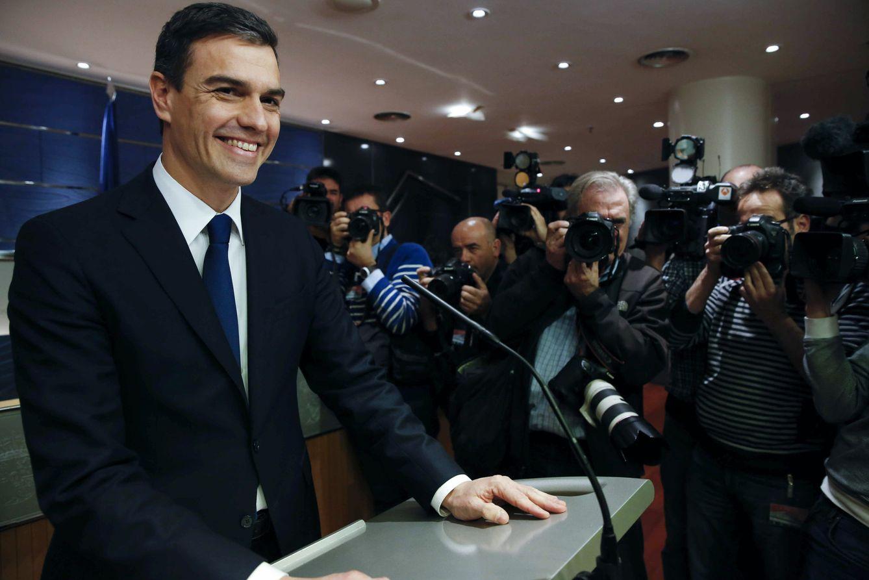 Foto: Pedro Sánchez, instantes antes de comenzar su rueda de prensa en el Congreso tras su reunión con el rey Felipe VI en la Zarzuela, este 22 de enero. (EFE)