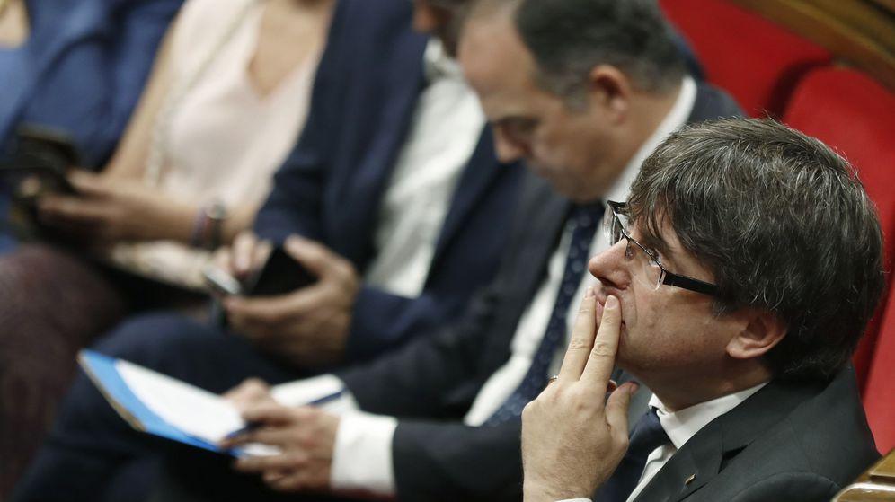Foto: Puigdemont en el Parlament. (EFE)