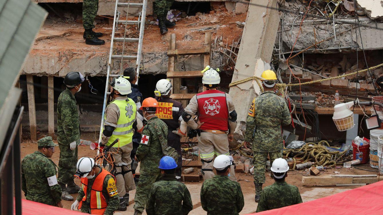 Un malagueño lleva 48 horas sepultado entre escombros tras el terremoto de México