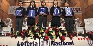 Cádiz, 'la ciudad que sonríe', reparte fuera la suerte de 'El Niño'