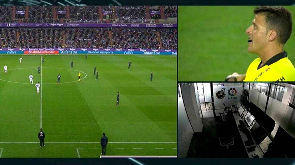 Foto: En la imagen de Movistar aparecía la sala del VAR vacía (Foto: captura de pantalla)