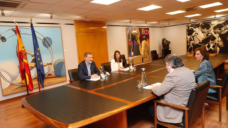 Felipe y Letizia, reunidos con Irene Lozano y Rodríguez Uribes. (Casa Real)