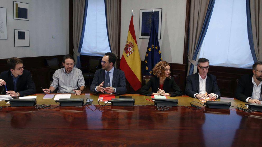 PSOE, Podemos y C's inician la decisiva reunión a tres con 18 negociadores