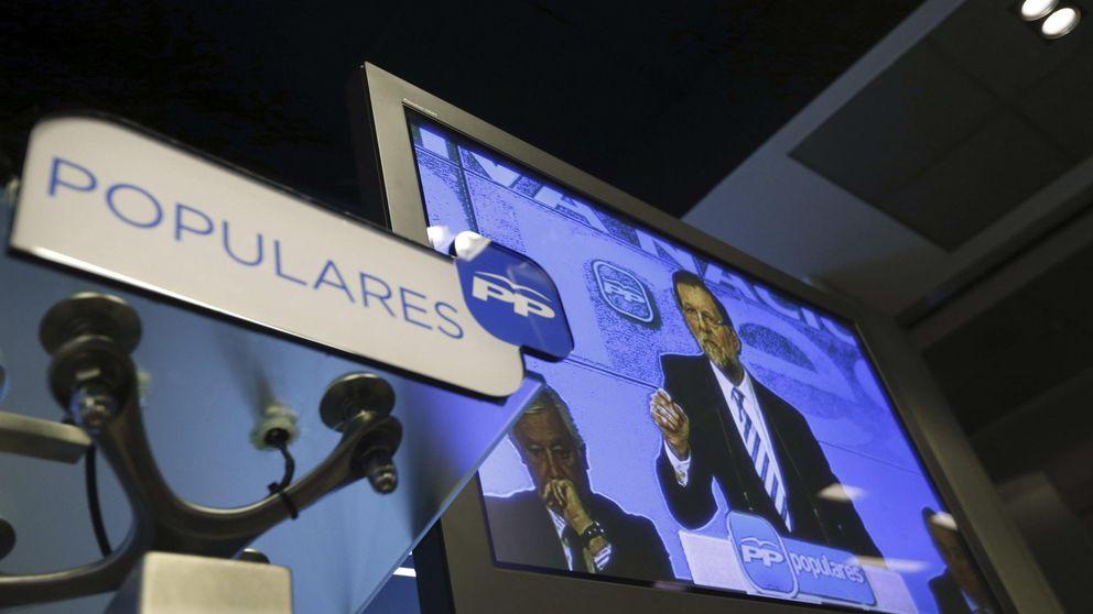 Barones y lideresas aplauden y eluden el debate tras la arenga de Rajoy