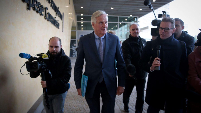 Michel Barnier saliendo de la sede de la Comisión Europea. (Reuters)