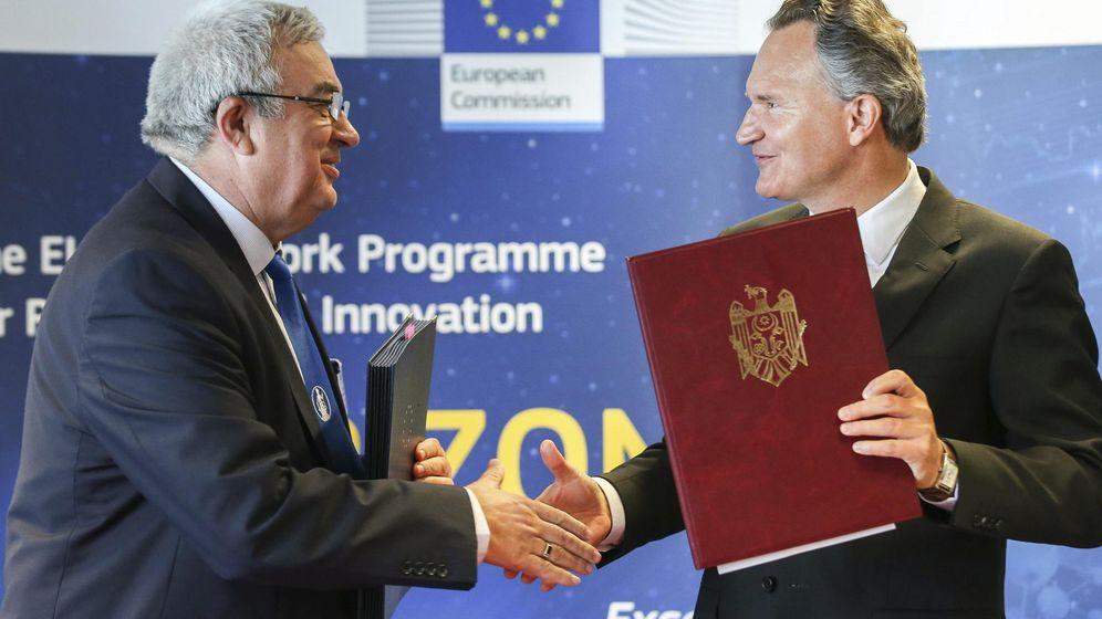 Foto: Momento en el que se firmó el programa Horizon 2020 en Bruselas el 1 de julio de 2014. (EFE)