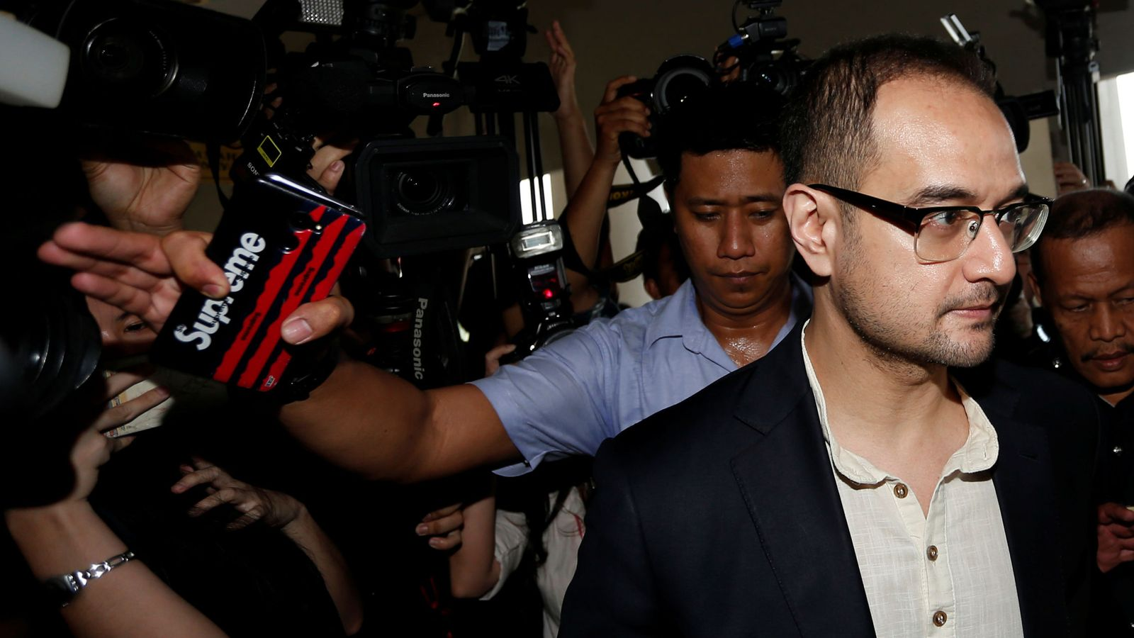 Foto: Riza Aziz llega a un tribunal en Kuala Lumpur. (Reuters)