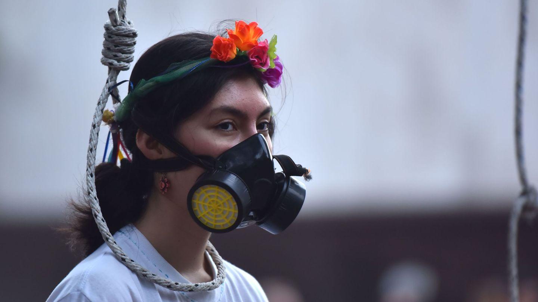 Manifestantes protestan contra la crisis climática el pasado viernes en Cali (Colombia). (EFE)