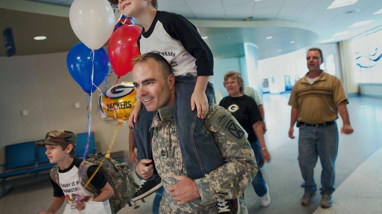 Las directoras siguen durante una década al sargento Brian Eisch, herido en Afganistán. (Netflix)