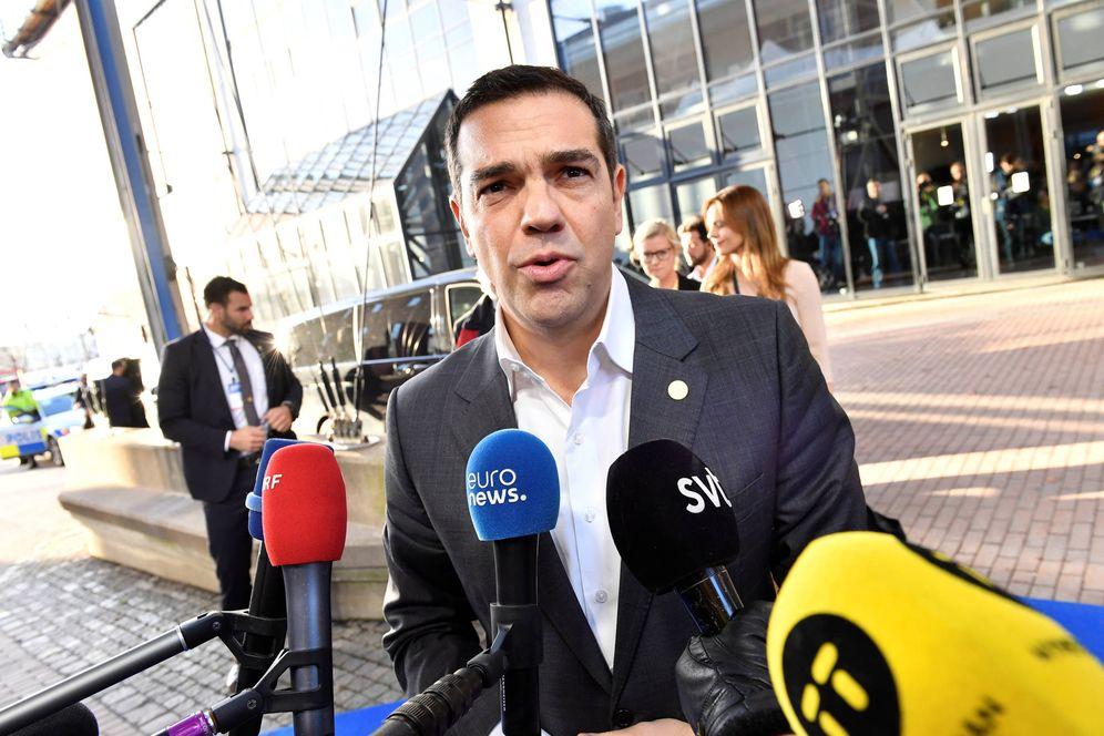 Foto: El primer ministro griego Alexis Tsipras a su llegada para una cumbre de la UE en Gothenburg, Suecia. (Reuters)