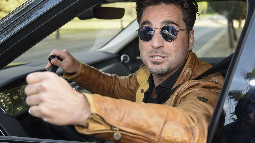 Foto: David Bustamante a la salida de su casa. (Gtres)
