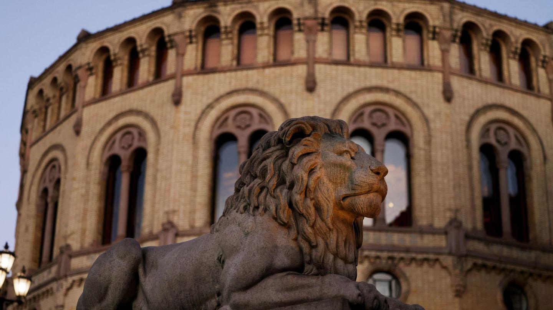 Vista general del Parlamento noruego en Oslo. (Reuters)