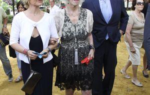 El duque de Huéscar: Mi madre evoluciona favorablemente