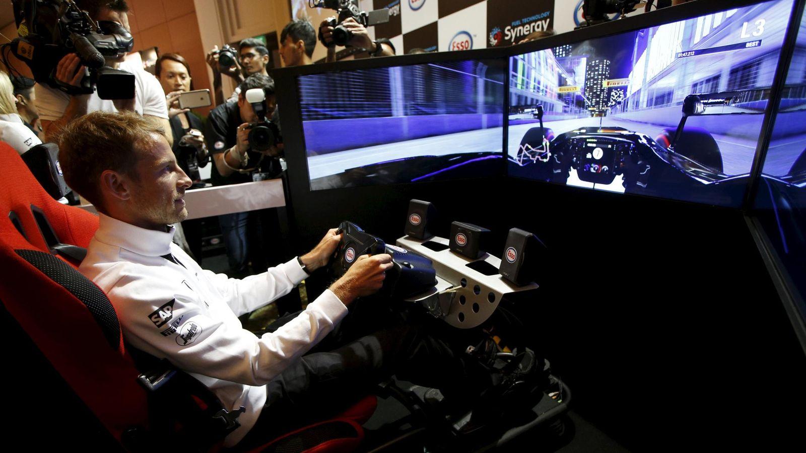 Foto: Jenson Button, en un simulador en Singapur. (Reuters)