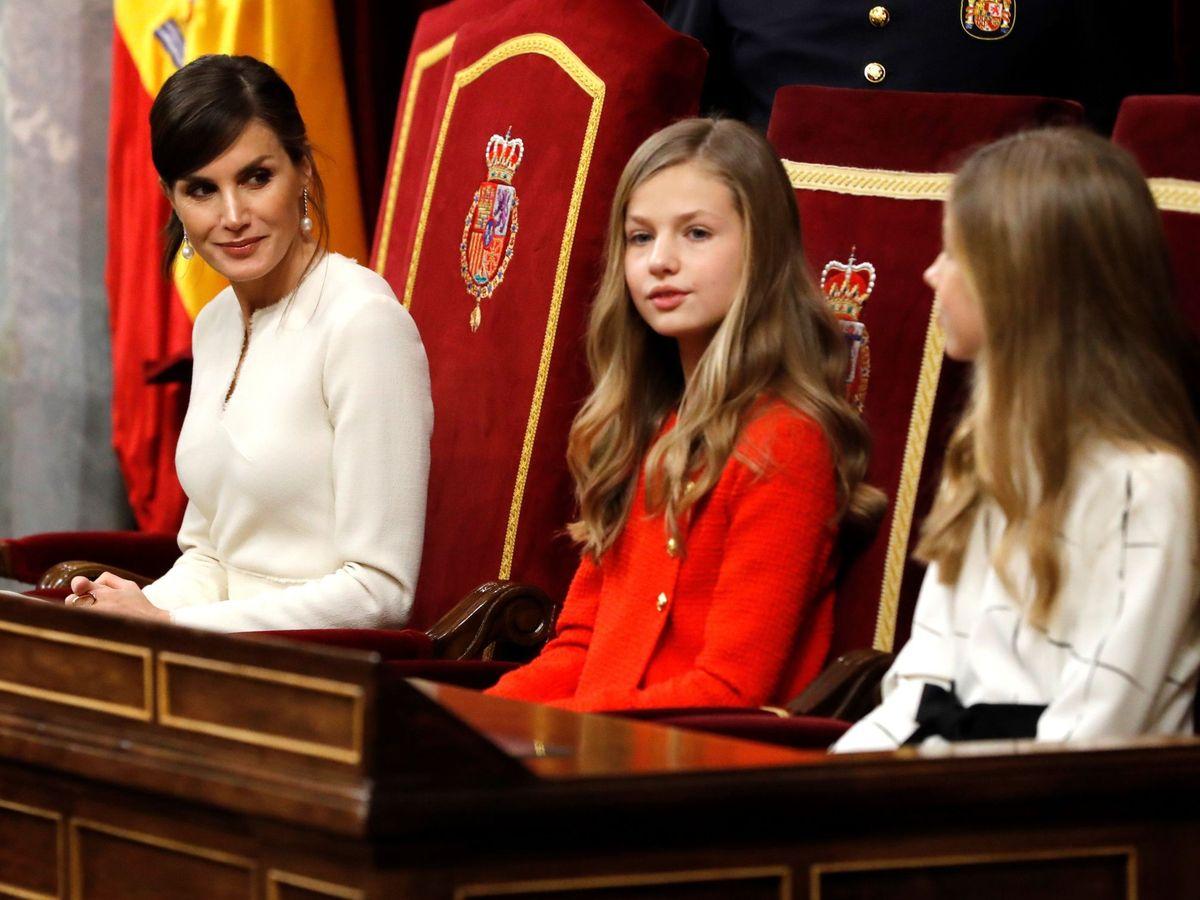 Foto: La reina Letizia y sus hijas, el pasado mes de febrero. (EFE)