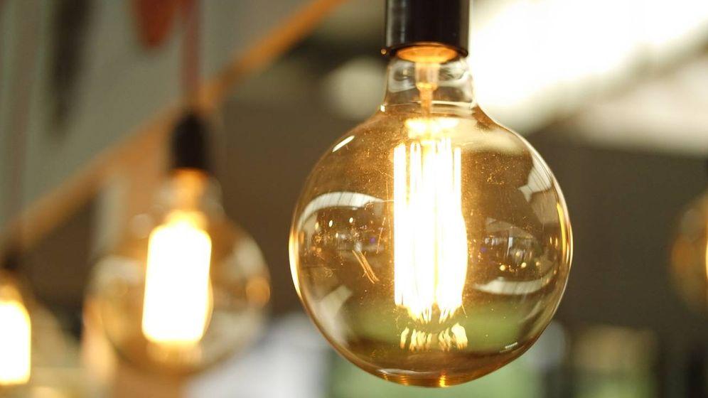 Foto: El precio de la factura de la luz será un 18,2% más caro que en 2016
