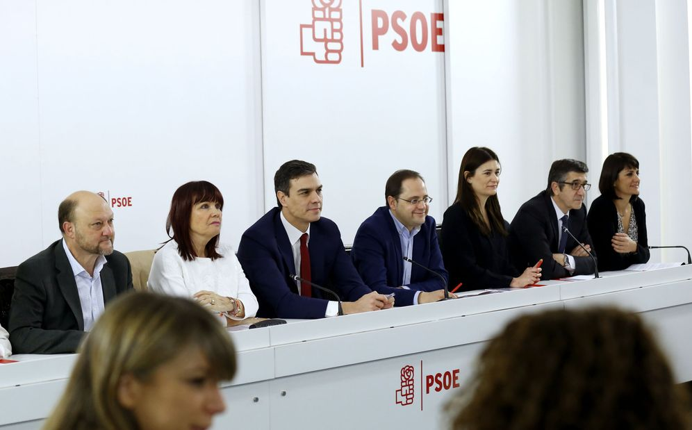 Foto: Reunión de la ejecutiva federal del PSOE, este 24 de febrero en Ferraz. (EFE)
