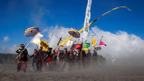 Hindúes celebran el Yadnya Kasada en Probolinggo