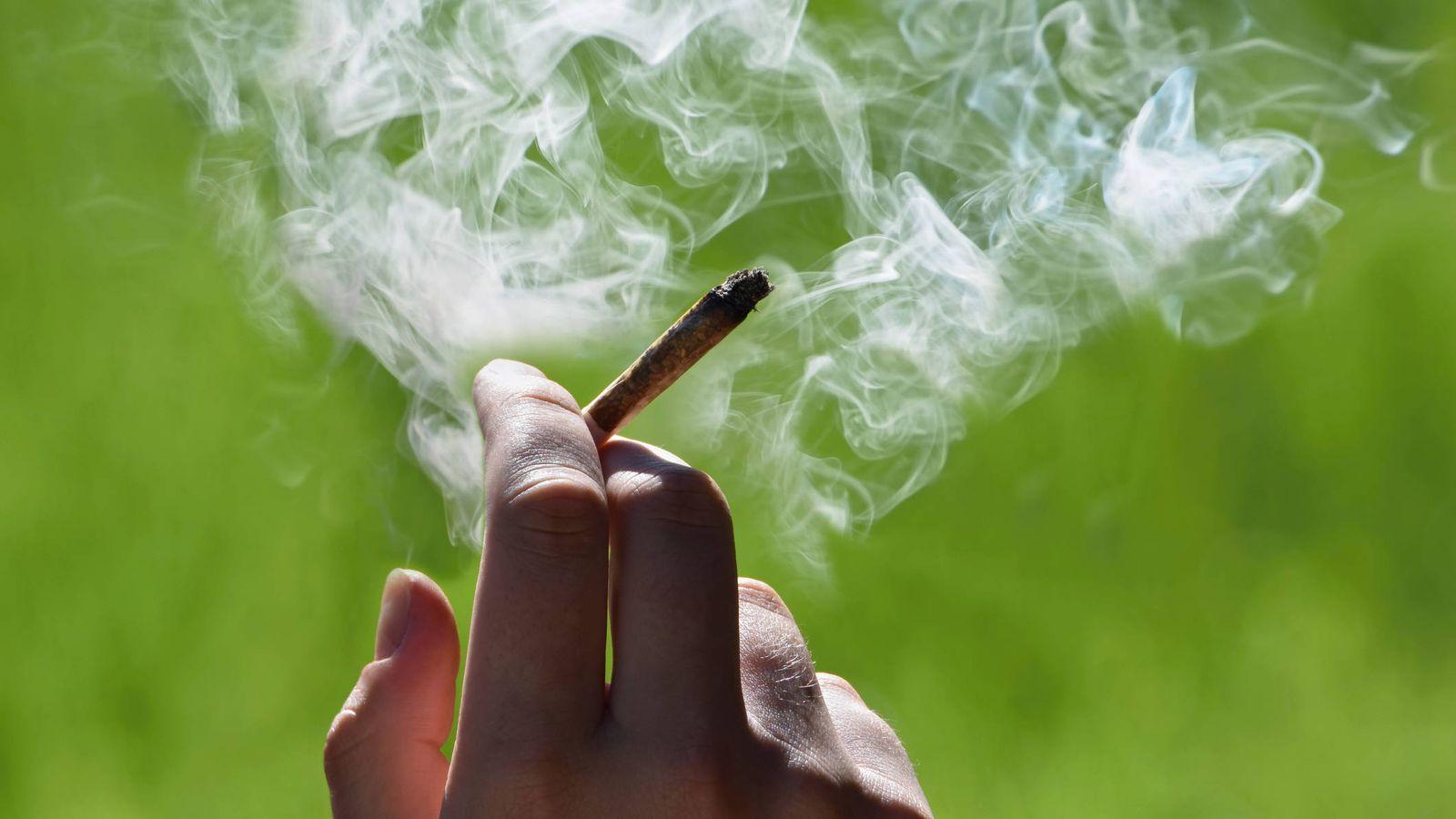 Esto es lo que le sucede a tu cuerpo cuando dejas de fumar marihuana
