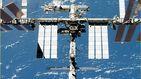 Los astronautas de la Estación Espacial Internacional hacen frente a una fuga de aire