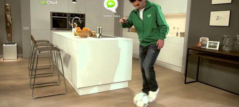 Foto: El futbolista Leo Messi en uno de los spots de WeChat