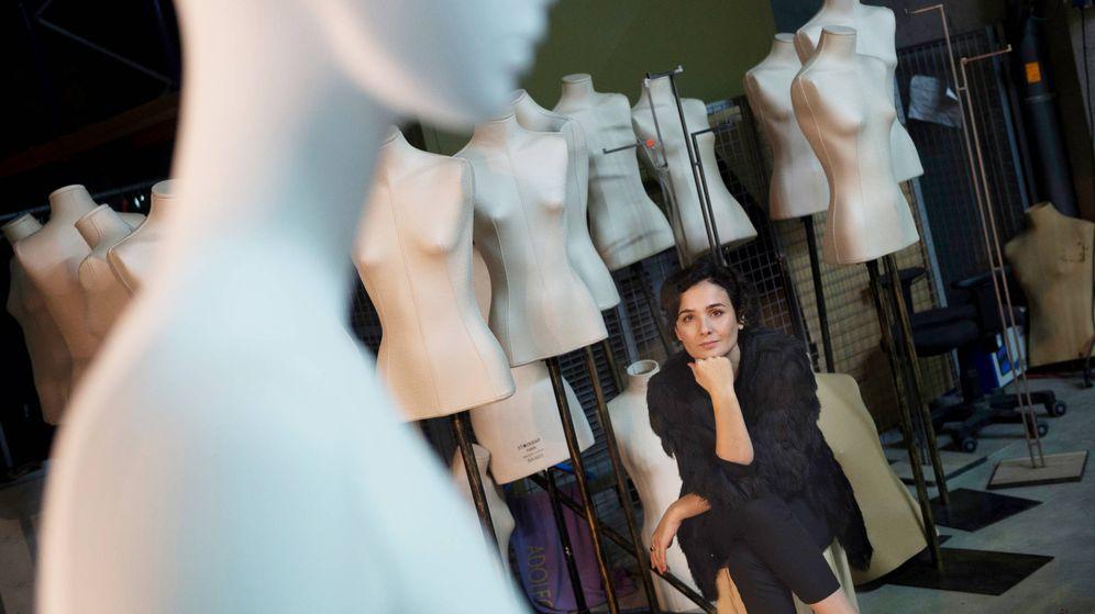 Foto: Adriana Domínguez en las instalaciones de la empresa en Orense. (Miguel Riopa)