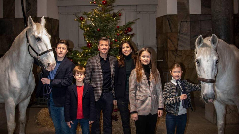Federico y Mary con sus hijos. (Casa Real Danesa)