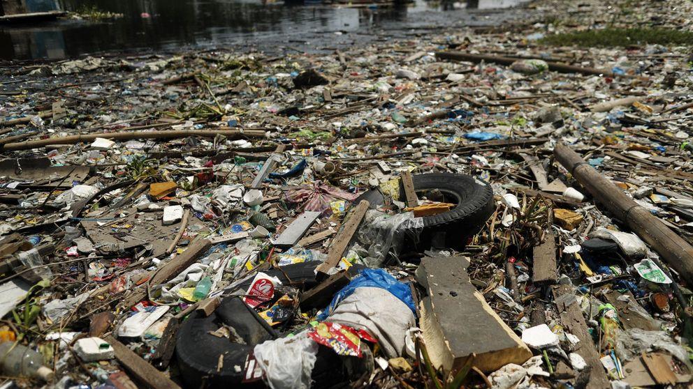 El ambicioso plan para acabar con la 'isla de basura', la nación de plástico del mar