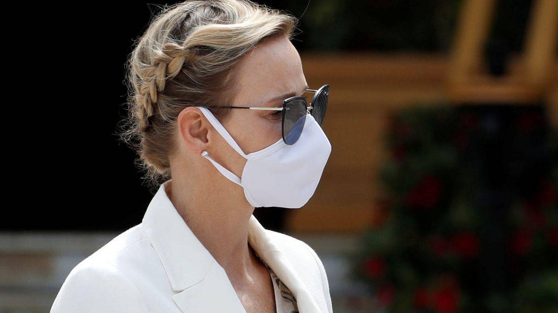 Detalle del recogido trenzado de Charlène de Mónaco. (Reuters)