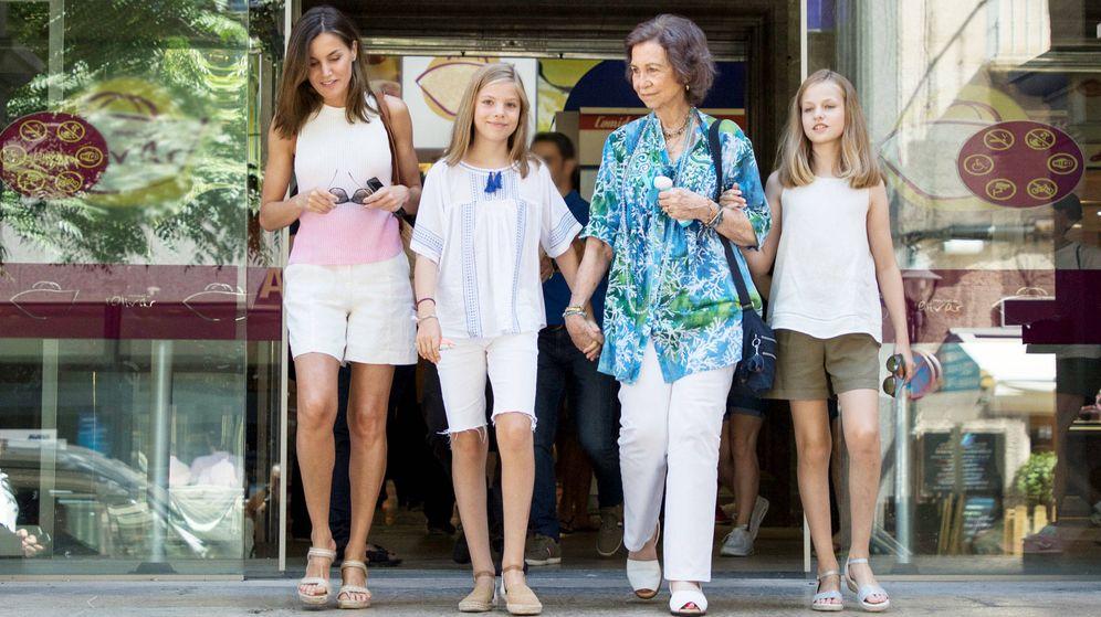 Foto: La reina Letizia, la infanta Sofía, la reina Sofía y la princesa Leonor. (Getty)